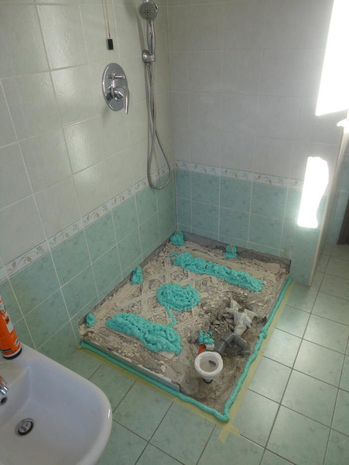 Sostituzione piatto doccia senza rompere le piastrelle milano trasformazione vasca in doccia - Piatto doccia piastrelle ...