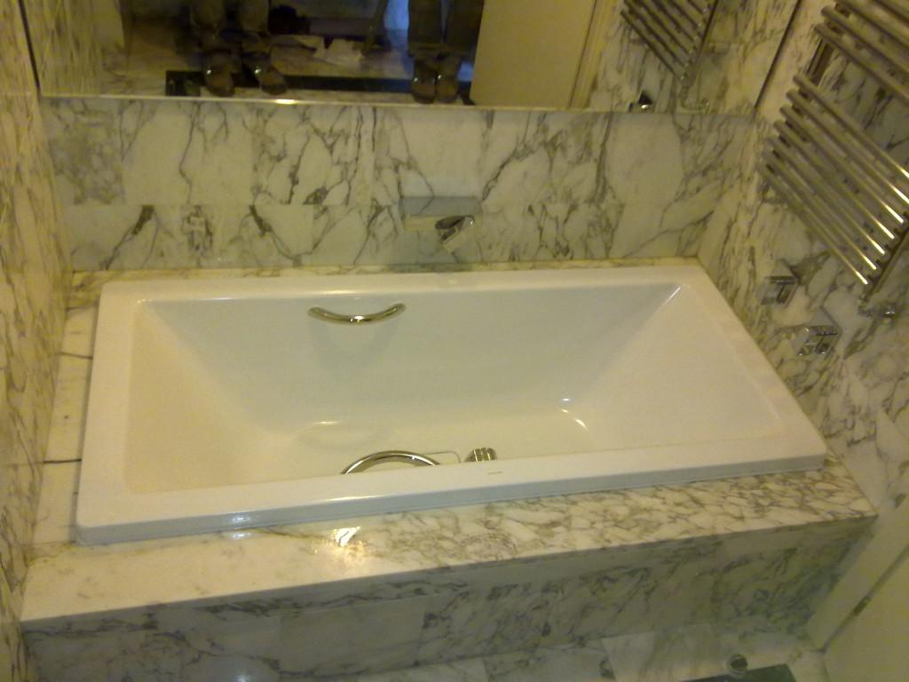 Rinnovare Vasca Da Bagno Prezzi : Sostituzione vasca da bagno in acciaio milano u trasformazione