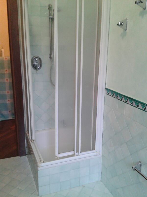 Sostituzione piatto doccia senza rompere le piastrelle trasformazione vasca in doccia milano - Posa piatto doccia prima o dopo piastrelle ...
