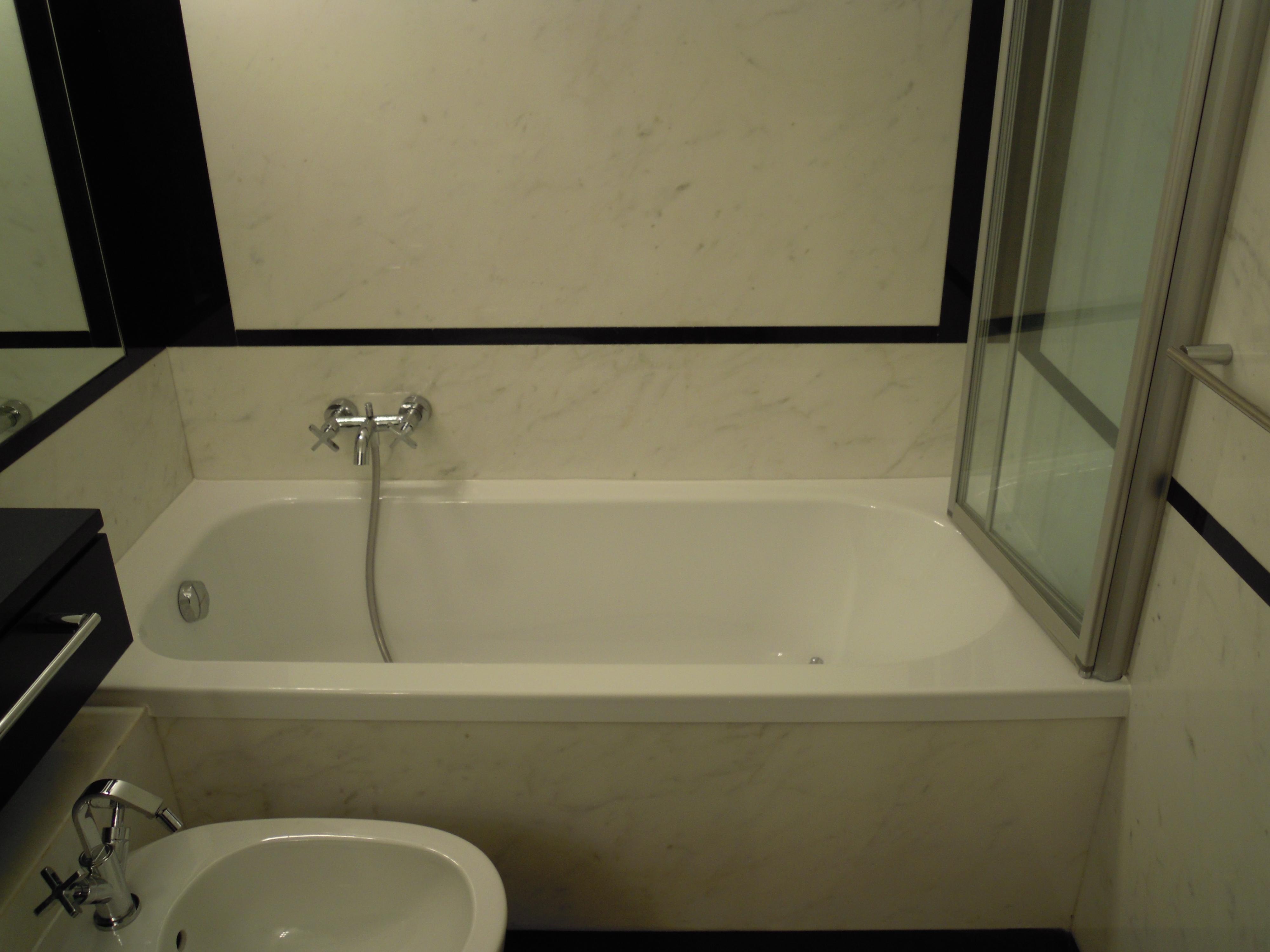 Rifacimento Vasche Da Bagno Brescia : Sostituzione vasca da bagno in acrilico milano u2013 trasformazione