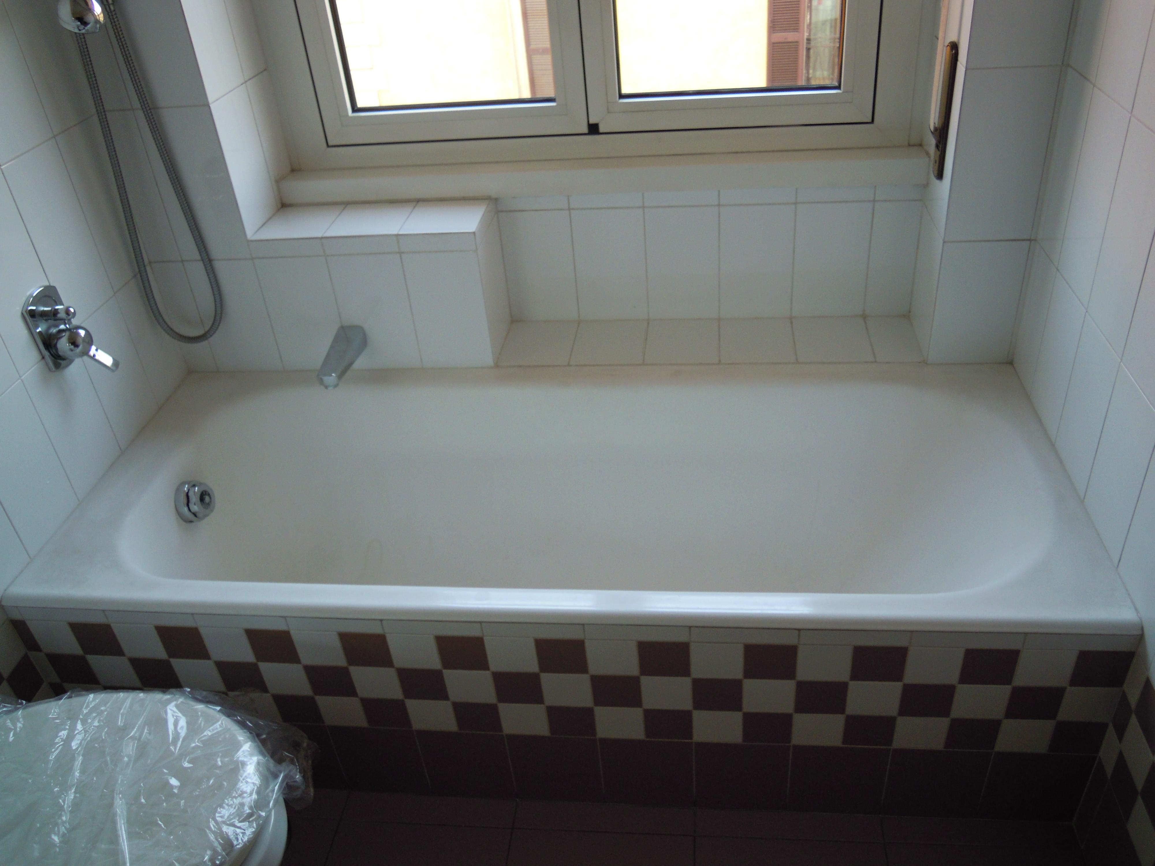 Vasca Da Bagno Ferro Smaltato : Sostituzione vasca da bagno in acrilico milano u trasformazione